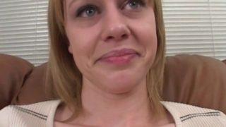 Blonde adore la sodomie violente