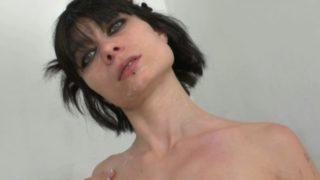 bonne salope de 40 ans retourne un nouveau porno