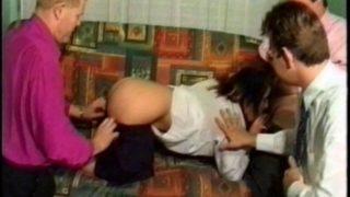 jeune salope de 18 ans baisée par ses profs de lycée