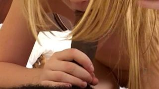 jeune coquine defoncée par un noir ttbm