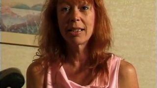 femme mûre defoncée devant sa cam